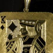 Gyémántköves arany kártyalap medál