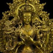 Trónuson ülő Buddha szobor