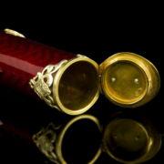 Orosz aranyozott ezüst szivartartó szelence vörös lüszterzománc díszítéssel