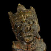 Indonéz Démon fafaragás