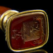 Pecsétnyomó arany keretben jáspis fogóval