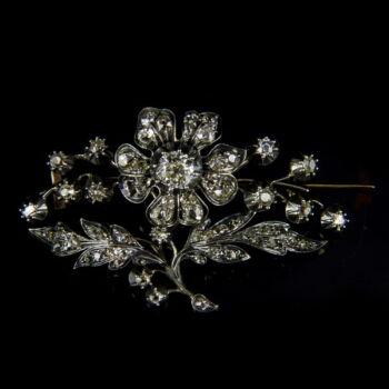 Antik virág alakú bross régi csiszolású gyémántokkal