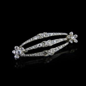Gyémánt köves fehérarany bross