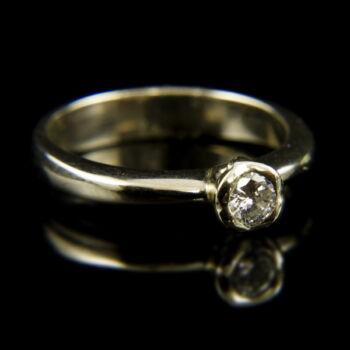 14 karátos fehérarany eljegyzési gyűrű briliáns csiszolású gyémánt kővel (0.17 ct)