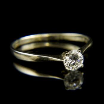 14 karátos fehérarany eljegyzési gyűrű briliáns csiszolású gyémánt kővel (0.36 ct)