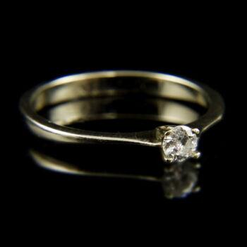 14 karátos fehérarany eljegyzési gyűrű gyémánt kővel (0.15 ct)