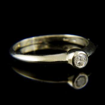 14 karátos fehérarany szoliter gyűrű gyémánttal (0.15 ct)