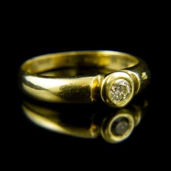 14 karátos sárgaarany eljegyzési gyűrű bouton foglalatban gyémánt kővel (0.18 ct)