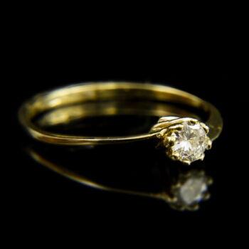 14 karátos sárgaarany eljegyzési gyűrű briliáns csiszolású gyémánt kővel (0.18 ct)