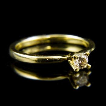 14 karátos sárgaarany eljegyzési gyűrű briliáns csiszolású gyémánt kővel (0.20 ct)