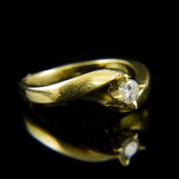 14 karátos sárgaarany eljegyzési gyűrű gyémánt kővel (0.20 ct)