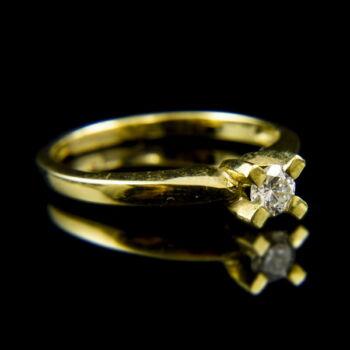 14 karátos sárgaarany eljegyzési gyűrű gyémánt kővel (0.30 ct)