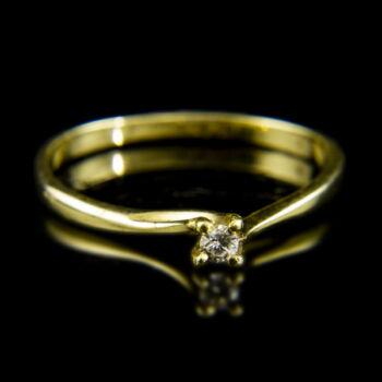 14 karátos sárgaarany szoliter gyűrű apró gyémánt kővel (0.02 ct)