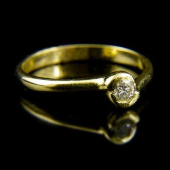 14 karátos sárgaarany szoliter gyűrű gyémánt kővel (0.12 ct)