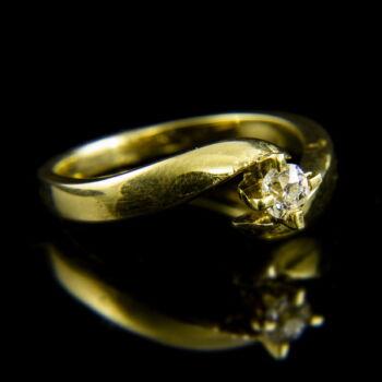 14 karátos sárgaarany szoliter gyűrű gyémánt kővel (0.22 ct)