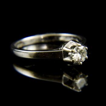 18 karátos fehérarany eljegyzési gyűrű gyémánt kővel (0.30 ct)