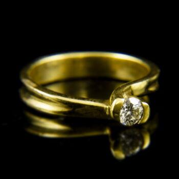 18 karátos sárgaarany eljegyzési gyűrű briliáns csiszolású gyémánt kővel (0.21 ct)