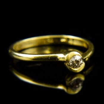 18 karátos sárgaarany eljegyzési gyűrű régi csiszolású gyémánt kővel (0.15 ct)