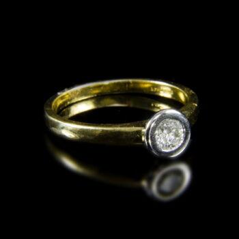 Eljegyzési gyűrű gyémánt kővel (0.30 ct)