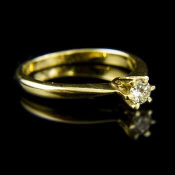 Sárgaarany eljegyzési gyűrű briliáns csiszolású gyémánt kővel (0.17 ct)