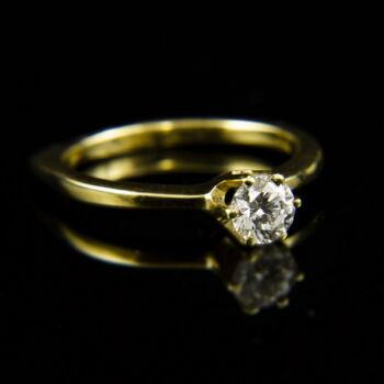 Sárgaarany eljegyzési gyűrű gyémánt kővel (0.42 ct)