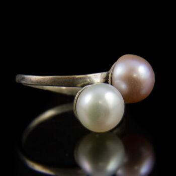 Ezüst Toi et Moi fazonú gyűrű rózsaszín és fehér gyönggyel
