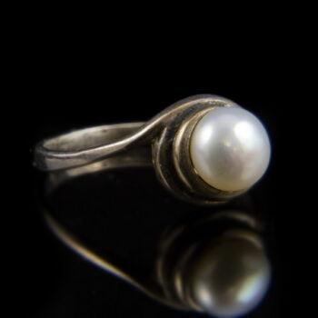 Ezüst gyűrű 6 mm-es tenyésztett gyönggyel