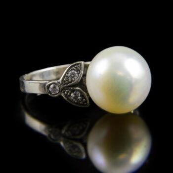 Ezüst gyűrű gyönggyel és cirkónia kövekkel