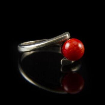 Ezüst gyűrű piros korall kővel