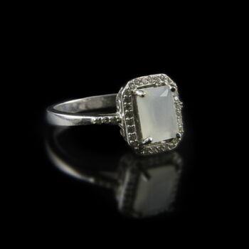 Ezüst gyűrű tejüveg kővel