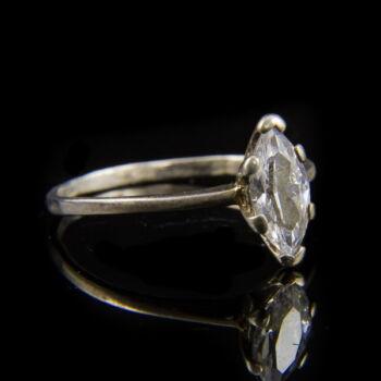 Navett fazonú ezüst gyűrű cirkónia kővel