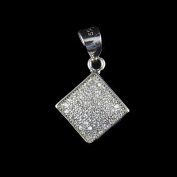 Rombusz alakú ezüst medál üveg kövekkel