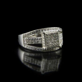 Sterling ezüst gyűrű üveg díszítőkövekkel