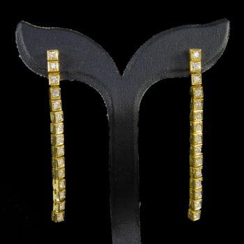 18 karátos arany fülbevaló pár gyémánt kövekkel