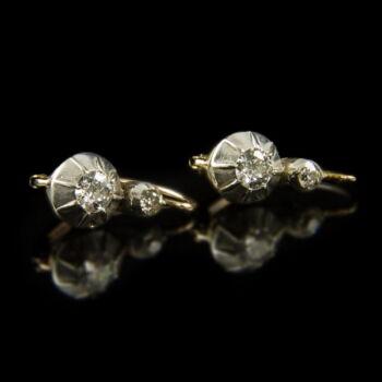 Boutton foglalatú gyémántköves fülbevaló pár