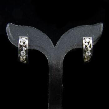 Modern fazonú briliáns fülbevaló pár