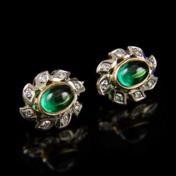 Zöld üveg köves arany fülbevaló pár gyémántokkal