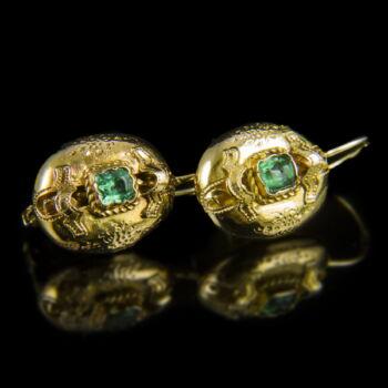 Zöld üveg köves arany fülbevaló