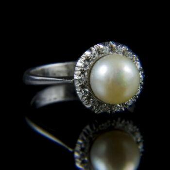 Gyöngyös gyűrű gyémánt kövekkel
