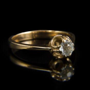 Üveg köves arany eljegyzési gyűrű