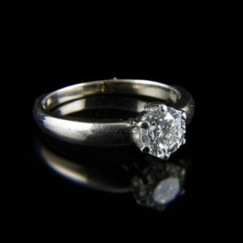 14 karátos fehérarany eljegyzési gyűrű gyémánt kővel
