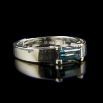 14 karátos fehérarany gyűrű kék turmalin kővel