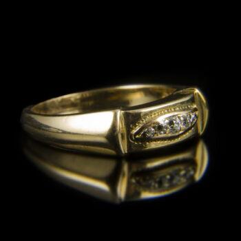 Arany gyűrű 5 db apró gyémánt kővel
