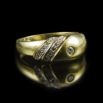 Arany gyűrű apró gyémánt kövekkel