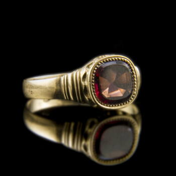 Arany gyűrű gránát dublettel