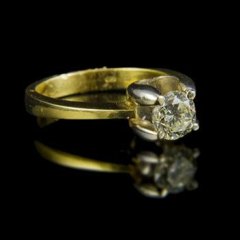 Eljegyzési gyűrű gyémánt kővel (0.75 ct)