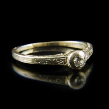 Fehérarany eljegyzési gyűrű régi csiszolású gyémánt kővel (0.10 ct)