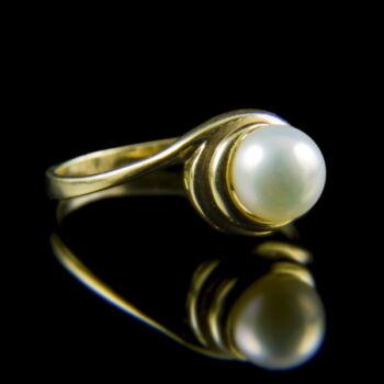 Női arany gyűrű tenyésztett gyönggyel