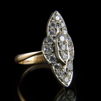 Navett formájú gyémánt gyűrű