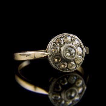 Rozetta fazonú arany gyűrű hollandirózsa csiszolású gyémántokkal
